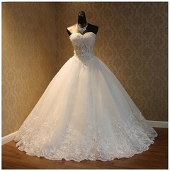 High Quality Lace Wedding Dresses Fashion Applique Beaded Wedding Gown Bride Dresses Gown 2 style 1