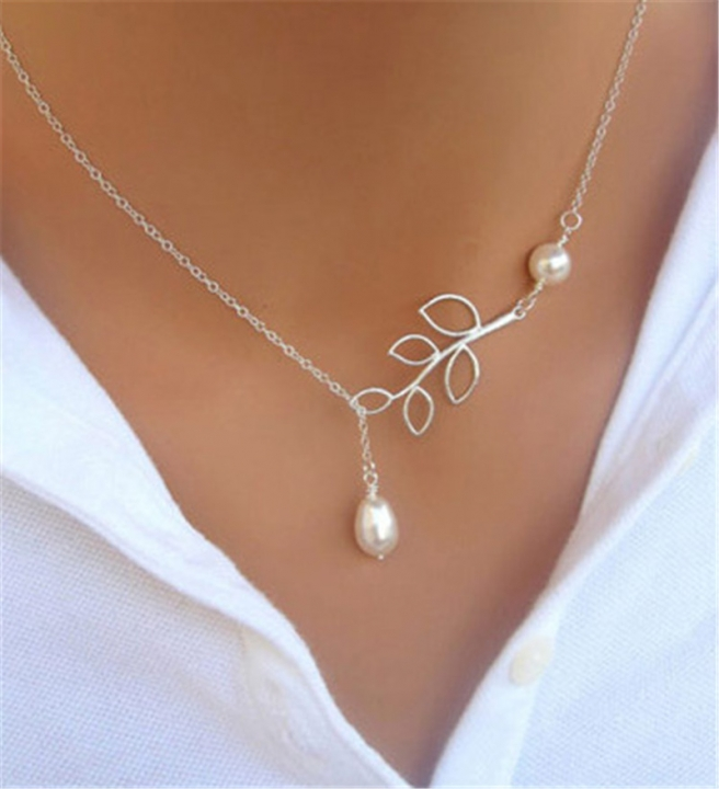 Fashion Women Leaves Pear Pendant Collarbone Chain Multiyear Korea Silvery Necklace Jewelry 40cm as picture one size