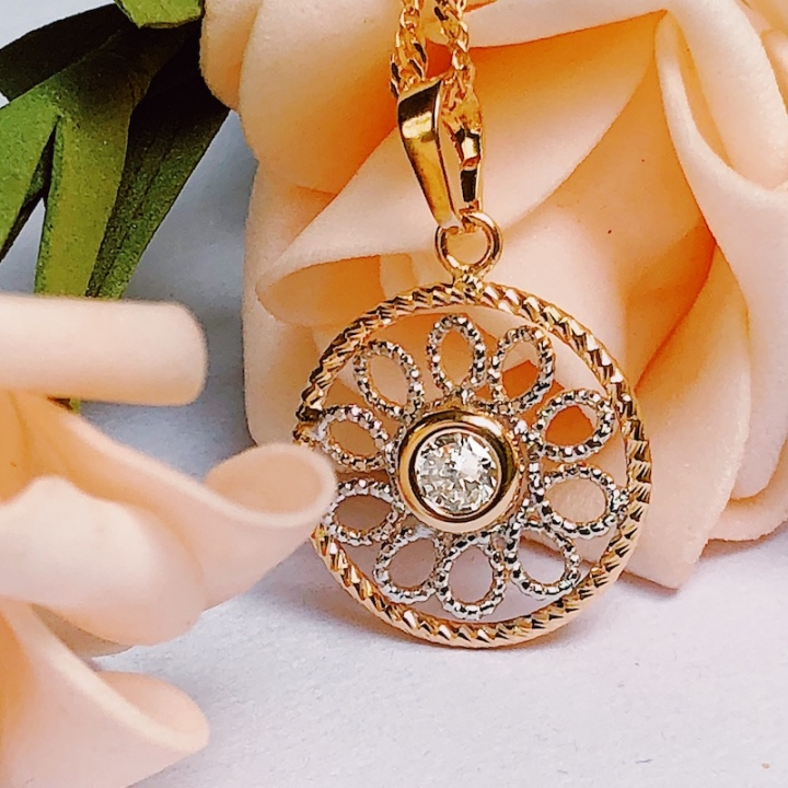 Floriane Women18K Gold New Cool Stunning Circle Necklace One Piece Gold Surface Zircon Crystal see pictures normal size