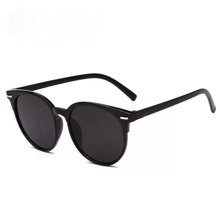 Floriane New Stylish Classical Sunglasses Men And Women Sunglasses One Color black