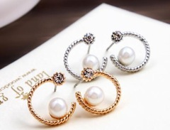 Floriane Woman New Hot Sale Moon Pearl Diamond Lady Banque Earring H003 silivery one size