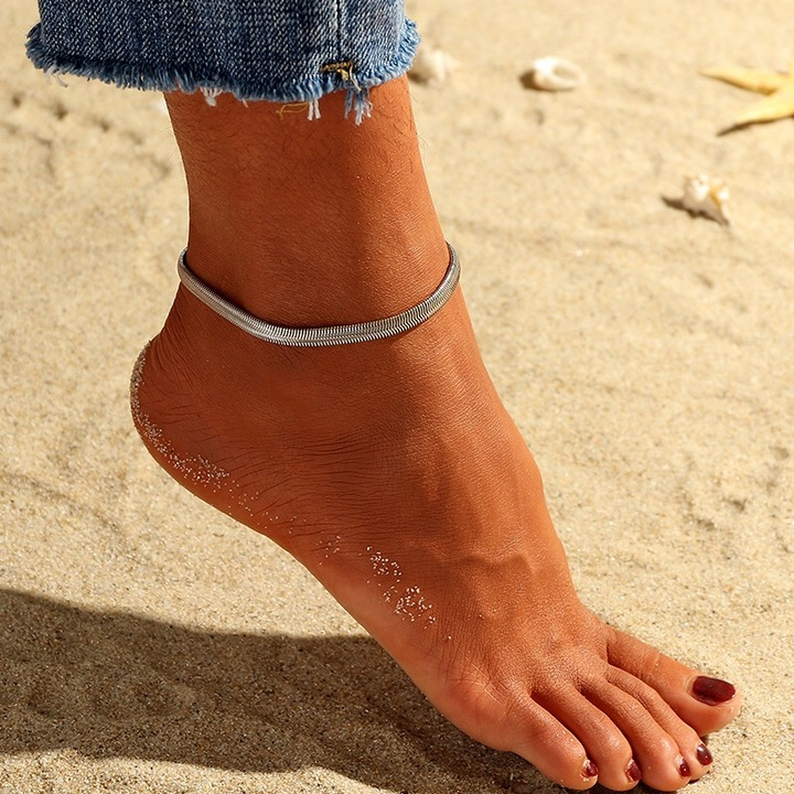 Floriane New Woman Western Style Fashion Retro Snake Shape KC Gold Anklet H012 golden one size