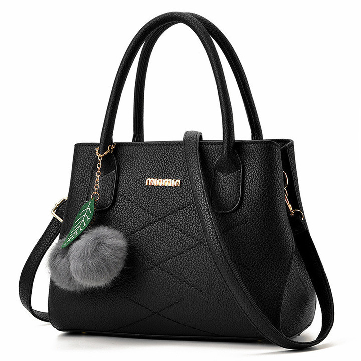 MONDAY Fashion Women Handbags Fuzzy Ball PU Leather Totes Bag  Shoulder Bag Lady Simple Style black 28*21*13cm