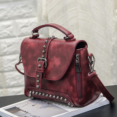 MONDAY Vintage Rivet Handbag for Women Retro Shoulder Bag with Adjustable Strap Ladies Crossbody Bag wine red 25*12*19cm