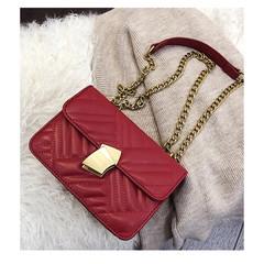 MONDAY Women's Chain Shoulder Bag Small Square Crossbody Bag PU Ladies Handbag red 20*14*7cm