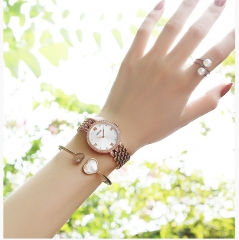 Fashion Women Watches in Retro Style Set With Zircon Jewellery Alloy Narrow Band  Wrist Watch Ladies white
