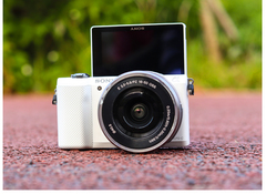 Sony NEX-5R Digital Camera with 16-50mm Lens-Household package 99% New Used