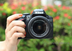 Refurbished Nikon D3200 DSLR Camera with 18-105mm Lens Household Package 99% New