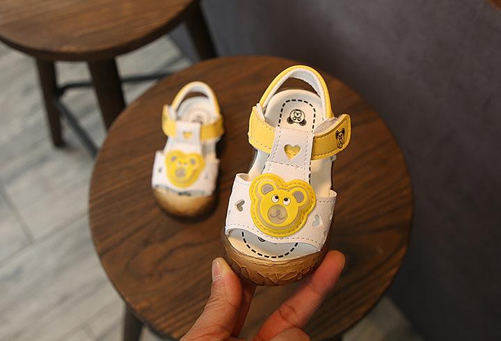 WOW STORE Soft Leather Fashion Light Board Shoes Boys Non-slip Children Beach Shoes Kids Sandals white 21