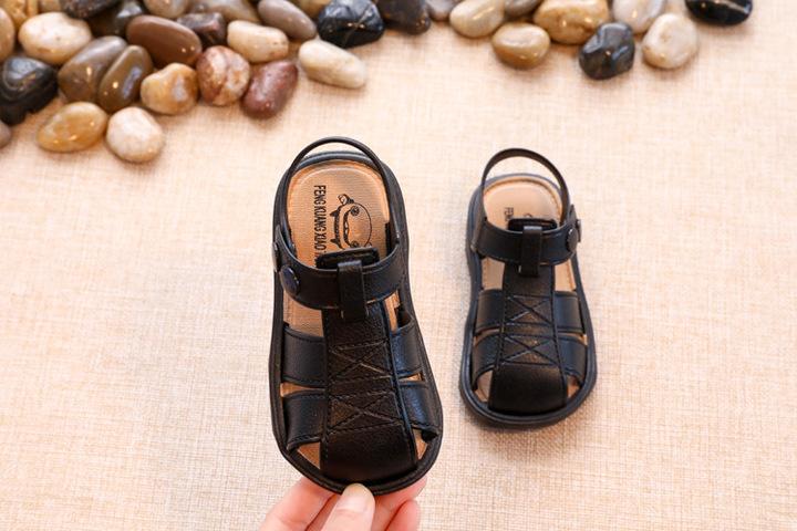 WOW STORE Boys Lovely Plastic Sandals Light Non-slip Comfortable Kids Shoes Children Shoes black 26