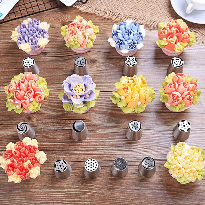 15pcs/set Stainless Steel Russian Flower Icing Piping Nozzles Decor DIY Tools As the picture shown 3.7cm*2.5cm