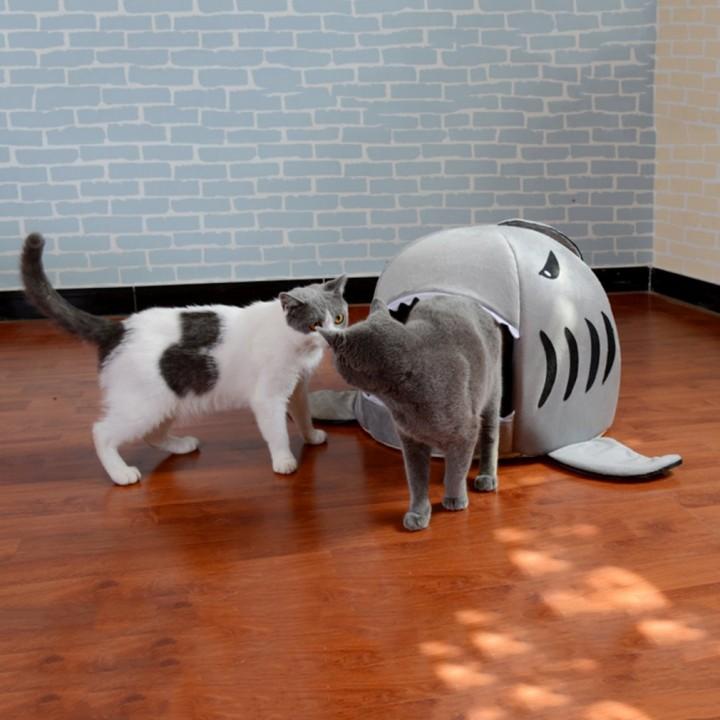 Unique Shark-mouth Shaped Pets Dog Bed Waterproof Soft Warm Plush Pet House