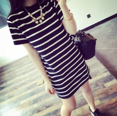 Women's striped loose short-sleeved T-shirt Korean version of the cross-striped lady dress black M