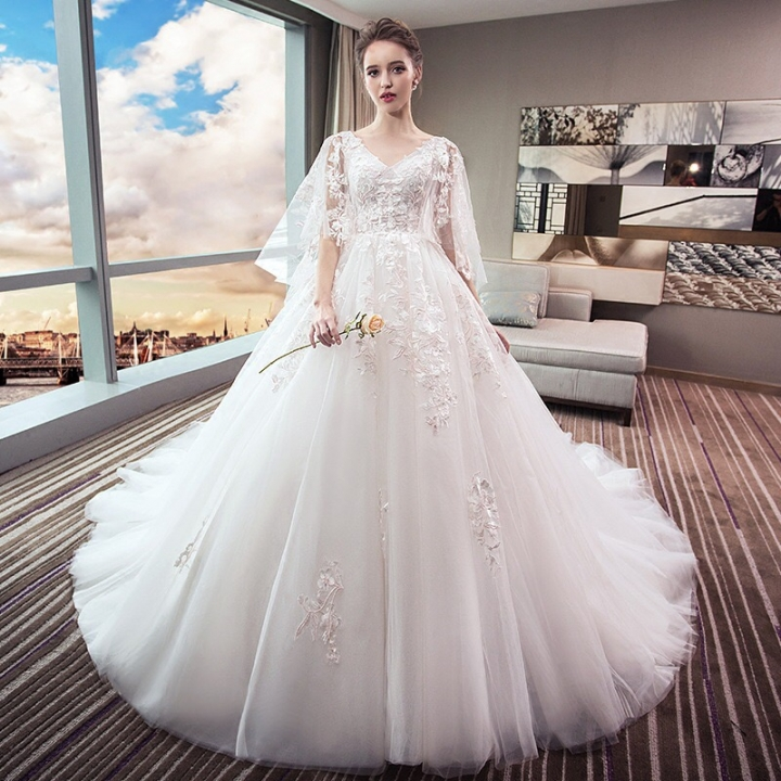 Wedding Dress 2018 New Style Bride Gown Slim Look Tailed Princess