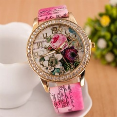 2019 Women Watches Rose Bohemian Wind Diamond Fashion Women's Quartz Watch Rose red 24cm
