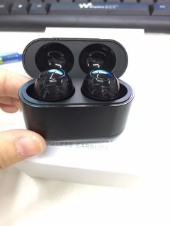 Chinese factory super bass wireless bluetooth earbuds touch earphones sports headsets black B10 TWS