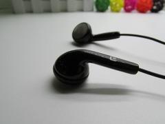 Universal all type model mobile phone earphones universal tuning headphones white