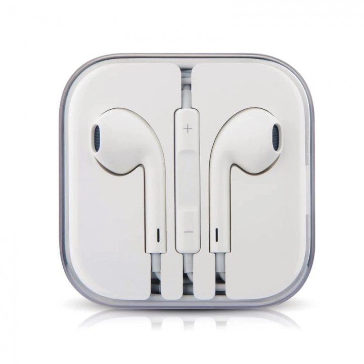 In-Ear Earphone Wired Headphones With Microphone and Volume Control Sport Headphones white white