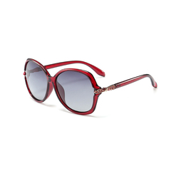 2018 new classic women's polarized sunglasses trendy sunglasses maternity outdoors red one size