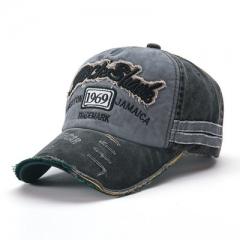 The new hat fashion do old broken edge baseball caps sun hat ,men and women lovers caps black