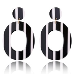 Summer Beach Acrylic Earrings Circle Trendy Girl  Fashion Earrings For Women Lady Jewelry pendients white one size
