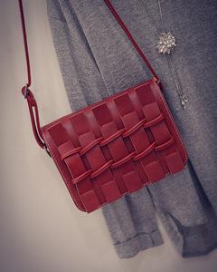 Free shipping, 2018 new women handbags, simple fashion flap, mini chain woman messenger bag red one size