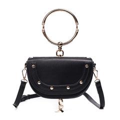 2018 new fashion women's bag European and American fashion simple rivet women's bag shoulder black one size