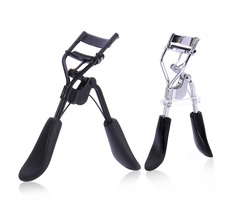 Ryan World Curved angle suits all eye shapes Eyelash curler black