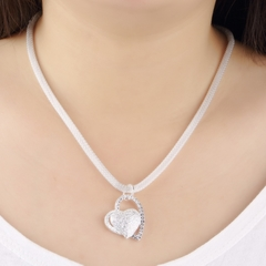New Fashion Charm Heart Shape Design Pendant Beautiful Women Girl Necklace one size as picture