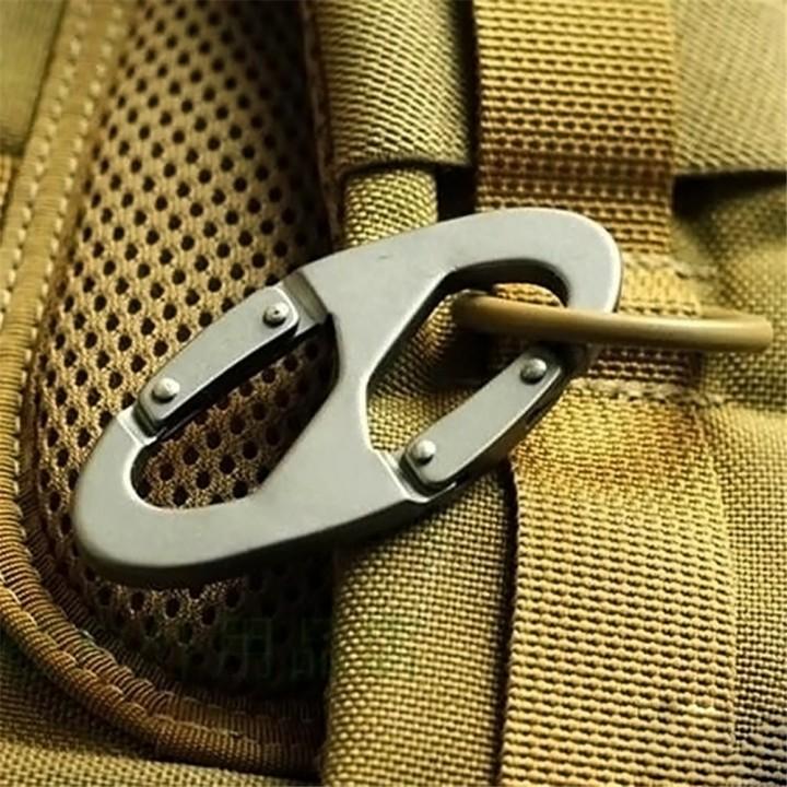 Metal Lock 8 Word Outdoor Mountaineering Buckle