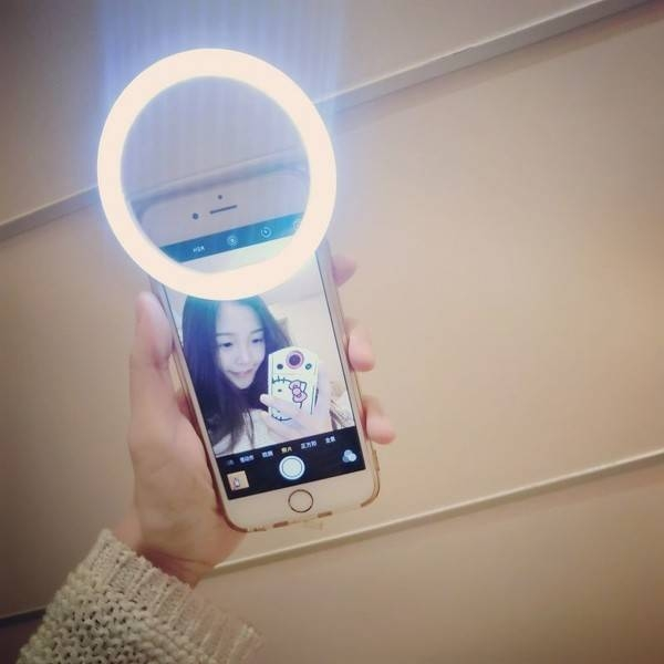 Damai 1pc Universal Luxury Smart Phone LED Flash Light Up Selfie Luminous Phone Ring For iPhone white 1