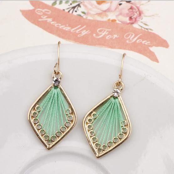 Hot selling in westen ! 2018 Tassel earrings   Long Hanging fringe Earloop 2 Length :10cm