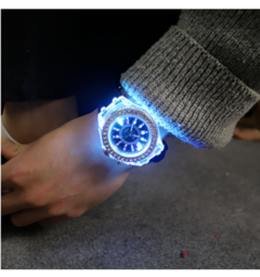 Creative fashion trend luminous luminous personality rhinestone led male and female students watch black as shown