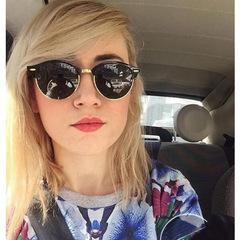 Hot Bain Sunglasses Women Popular Brand Designer Retro men Summer Style Sun Glasses Rivet Frame black+grey one size