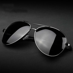Men's Fashion Round Sunglasses Tide Men Fishing Polarizing Sunglasses Driver Glasses Anti UV 400 black one size