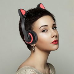 Cat Ear Luminous Earphones Bluetooth Wireless Headphones 7-Color Flashing Glowing Ear Headset Gift Colorful