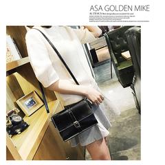 New Women Retro Oil Skin Small Square Bag Belt Pliers Shoulder Messenger Bag Travel Casual Sling bag black one size
