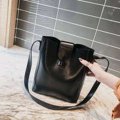 Retro Female New Super Fire Portable Messenger Bag Hong Kong Wind Single Shoulder Small Bag black one size