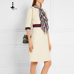 High-quality dress with middle sleeve and round collar and waist white s