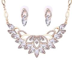 FH 1 Set Of 3 Gem Alloy Necklace Floral Pendant Earring For Bride \Dress Suit Fashion Accessories white 50cm