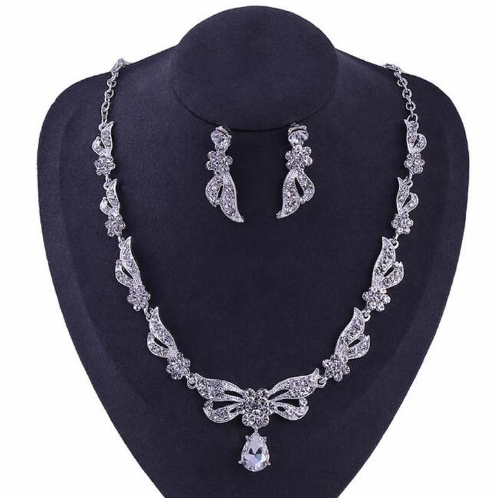 FH 1 Set Of 3 Bridal Alloy Inserts Diamond Necklace Bowknot Waterdrop Pendant Earrings Wedding Set silver 50cm