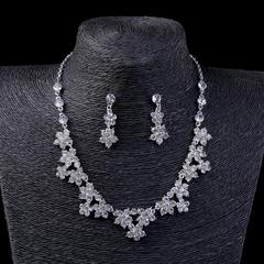 FH 1 Set Of 3 Bride Gem Silver Necklace Flower Shape Earrings Pendants Wedding Dress Set Accessorie silver 50cm