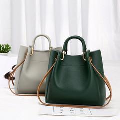 Classic fashion women's luxury handbag Messenger bag shoulder bag black one size