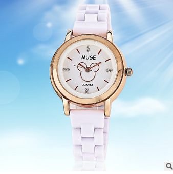 2016 New fashion classical silicone lady watch C001 white