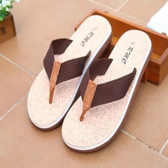 Men's Beach Shoes Flip Flops Summer Soft Sandals Slippers Non-slip Outdoor Slippers brown 42
