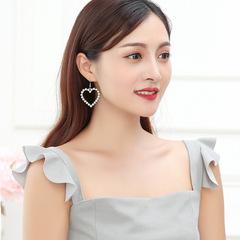 Fashionable Elegant Female Loving Pearl Earrings Earn Nails Pendants silvery 4.5 cm
