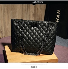 New Brand Women's Handbags European and American Fashion Diamond Chain Tote Handbags black 29*10*23