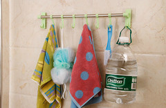 The shelf easy to install hang towel stainless steel do not to destroy the surface of the wall blue 51cm