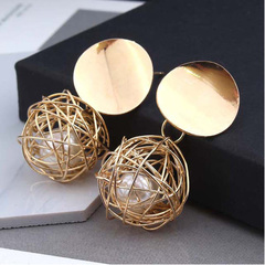 New Fashion Stud Earrings For Women Golden Color Ball  Earrings For Party  Ear Jewelry with a gift gloden one size