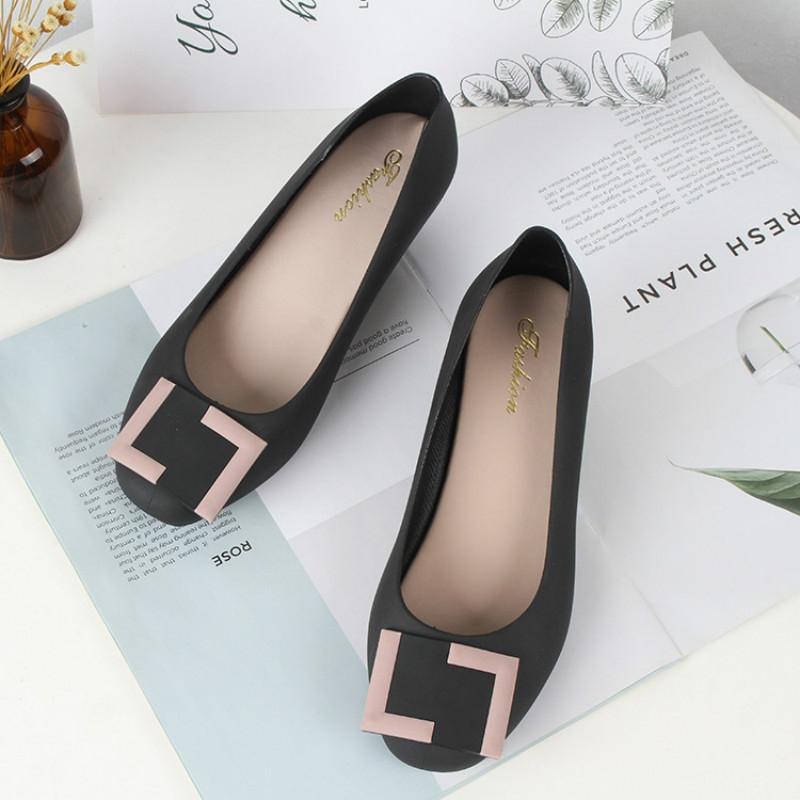 1e2ea0ca62da7 Item specifics  Brand  2018 Summer Sandals Women Casual Bowtie Shoes  Fashion Jelly Shoes Transparent PVC Flat Shoes